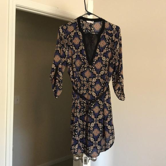 Lush Dresses & Skirts - Belted 3/4 sleeve shift dress